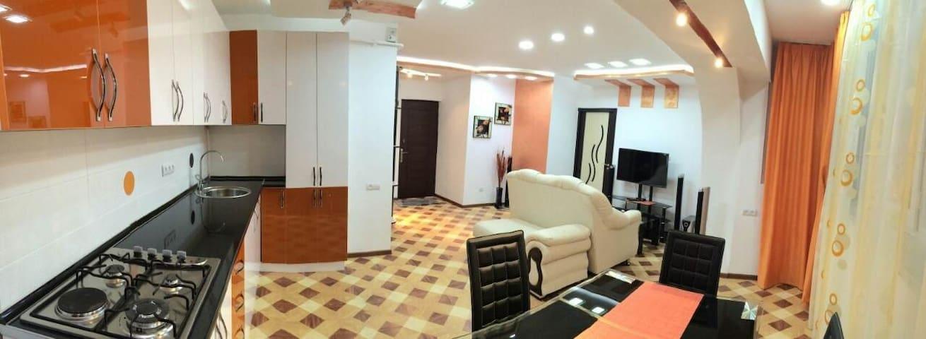 Современная, элегантная и просторна - Yerevan - House