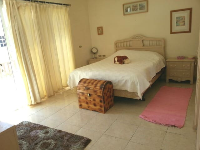 A Bedroom For Rent in Cairo, Egypt - Cairo Governorate - Flat