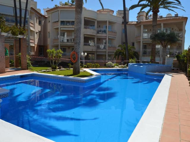 CENTRAL 3 BEDROOMS WITH POOL, A/C and WIFI - Nerja - Wohnung