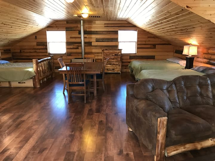 Creekside Bunkhouse