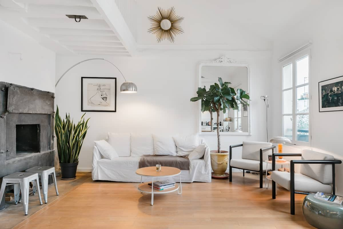 Airy and secluded gem in the heart of Bastille