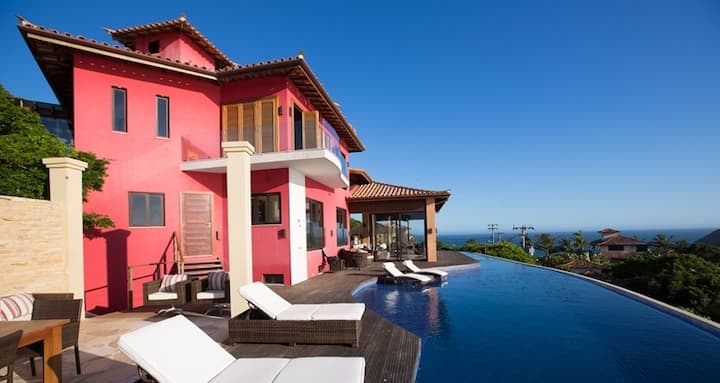 Luxury Buzios Villa w/ 5 Private Suites & Sea View