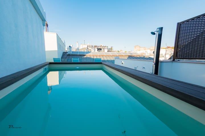 Espectacular apartamento piscina y en el centro F2