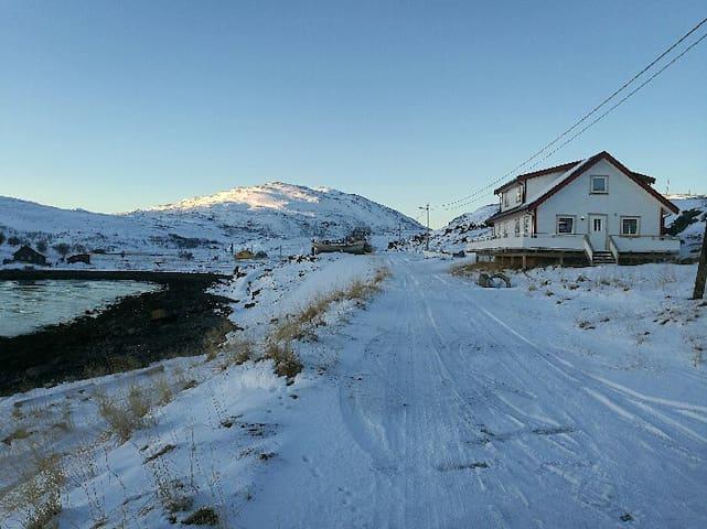 Hytte med tre soverom - Hammerfest - Mökki