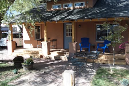 420 Happy Hippie Haven 2-bedroom - Grnd Jct., CO - Grand Junction