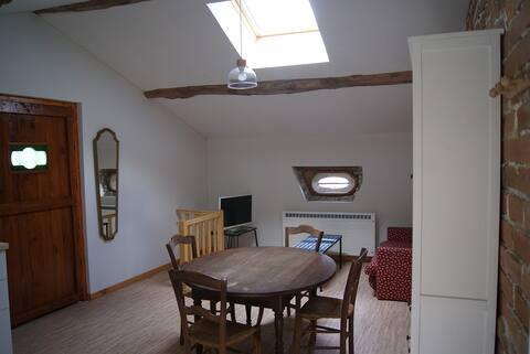 Apartamento confortável de dois quartos em aldeia muito tranquila