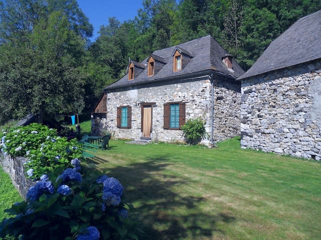Beautiful cottage at the French Pyrénees - Galey - Rumah