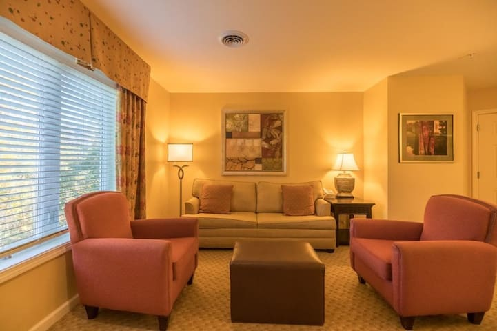 New England Style 2BR Suite at Vacation Village in the Berkshire