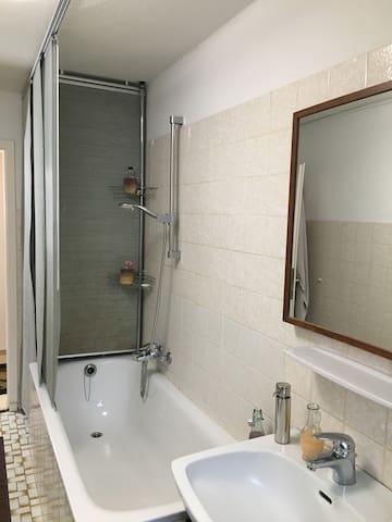 Bad & WC / Bath room