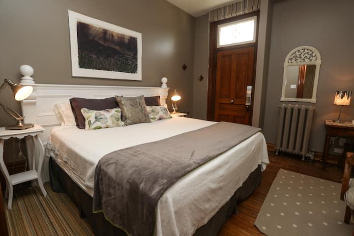 Danby House Walker Suite