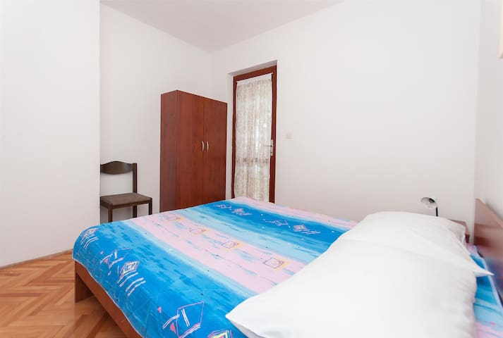 Apartment Igor (33401-A1) - Bratus - Apartment