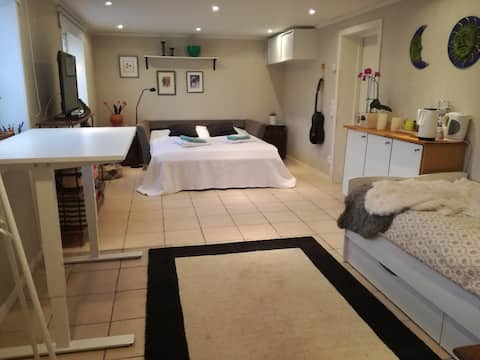 Studio for 1-3 pers with  relax & sauna & parking
