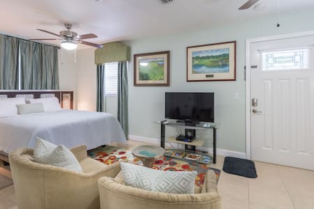 Modern Studio near UCF, Full Sail University,