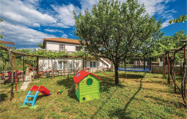Holiday cottage with 3 bedrooms on 74m² in Dobrinj