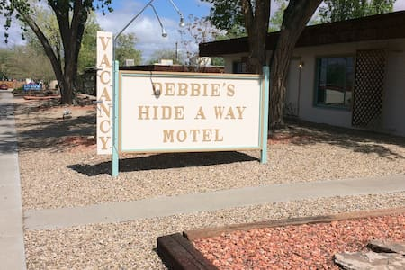 Debbie's Hide A Way Motel 115 - Page - Huoneisto