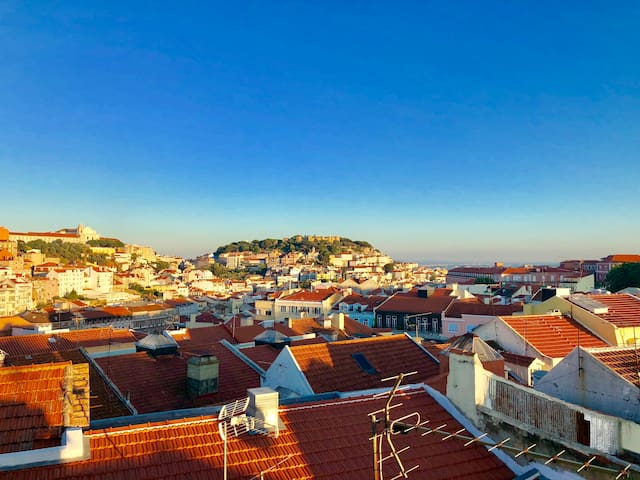 Central Lisbon Panoramic View Apartment