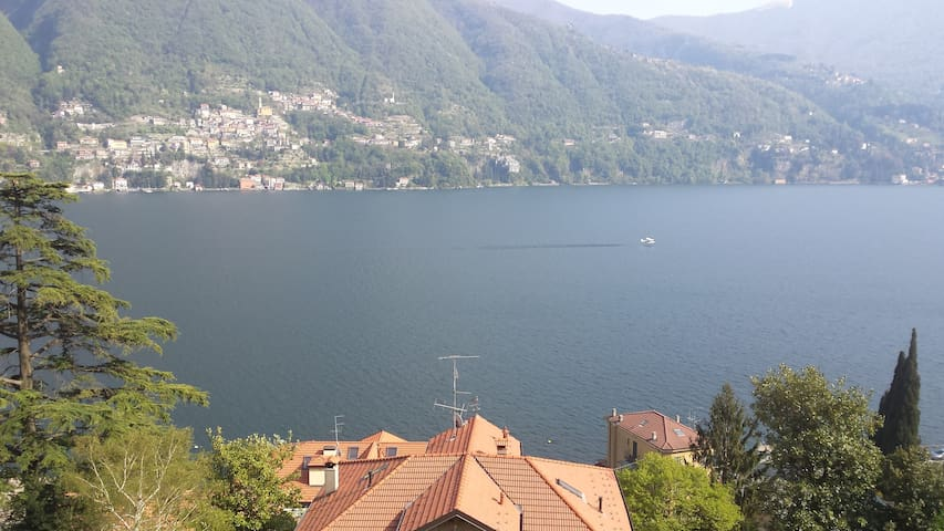 Beautiful sunny Lake Maggiore Flat