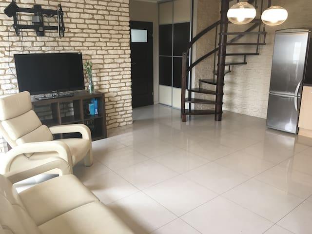 Dwupoziomowy apartament w Plewiskach+parking 3auta - Plewiska - Apartament