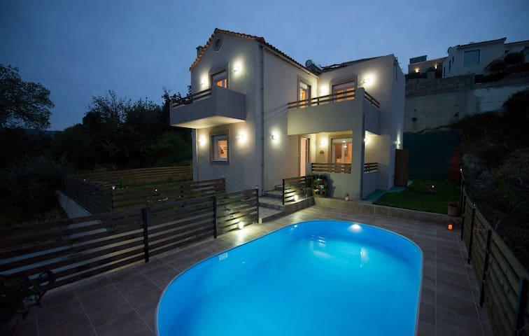 ExclusiveVillaGiannis- amazing view & private pool - Agia Triada - วิลล่า