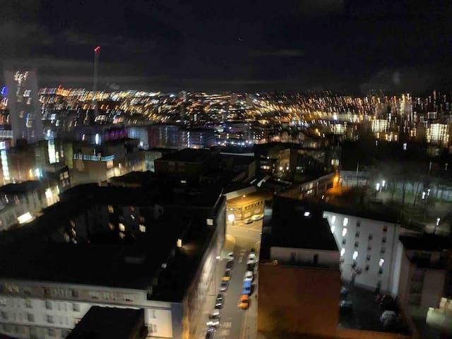 Cube Birmingham City Centre Resort World / Nec