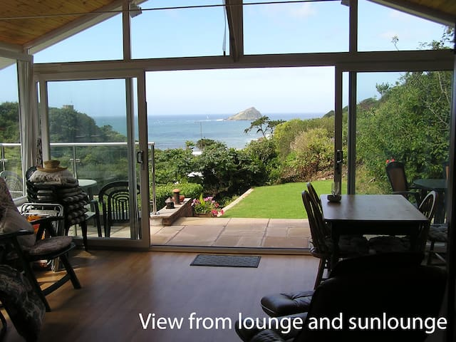 Shearwater B&B, open sea views with twin bedroom