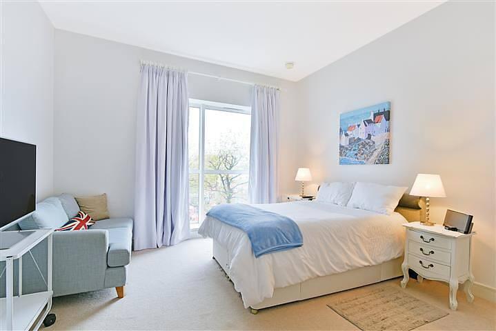 High-end private bedroom with en-suite bathroom