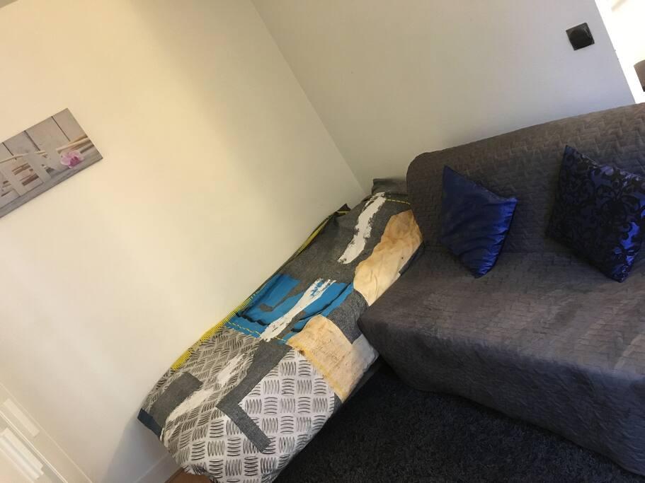 Le lit  & le canapé Convertible