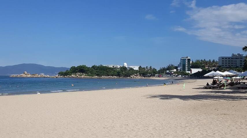 Ngoc Le apartment 1 min walk to the beach