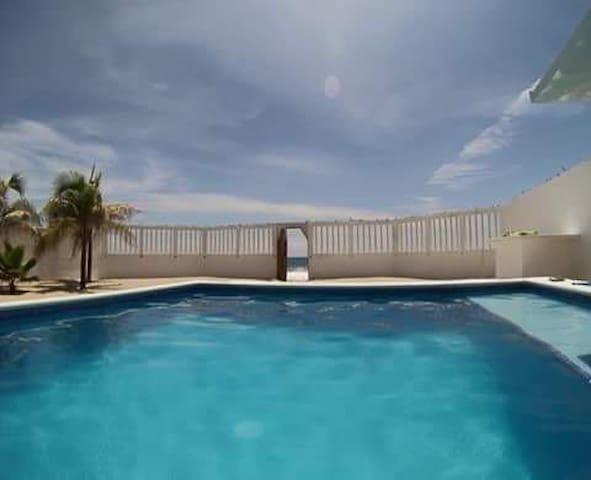 Hermosa casa con vista al mar cerca de Acapulco