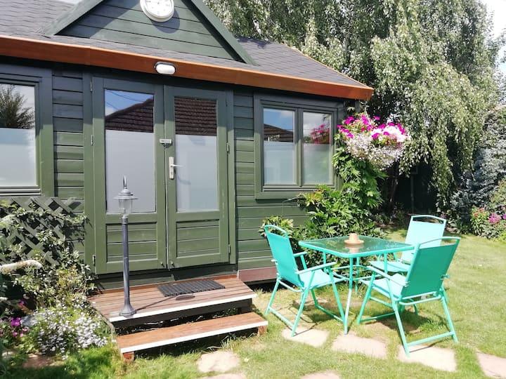Charming Garden Cabin.