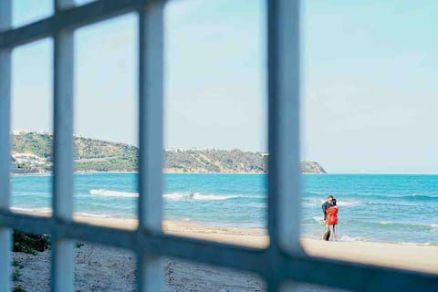 Romantic 2BR  w/ own direct Beach Acces & sunrise