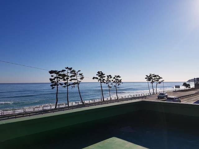 [비치 하우스 인 양양] 해변가 단독주택, 대포항 5분, 집에서 해돋이, 텃밭야채 이용가능