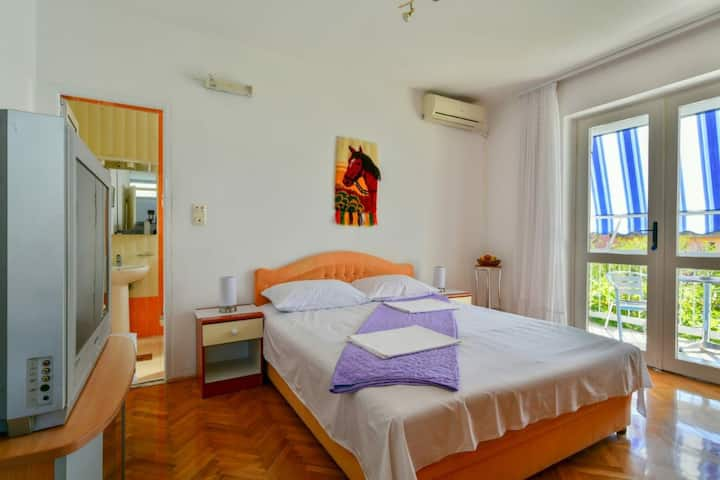 3. Lovely Romantic Room, 250 meters from the beach