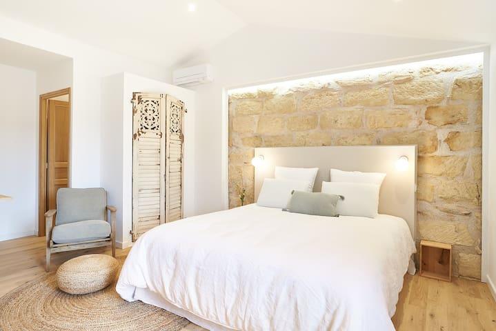 Maison 1634 Suite romantique avec jacuzzi