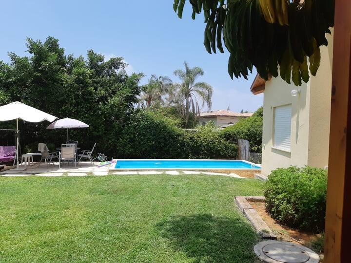 Private pool, near the beach