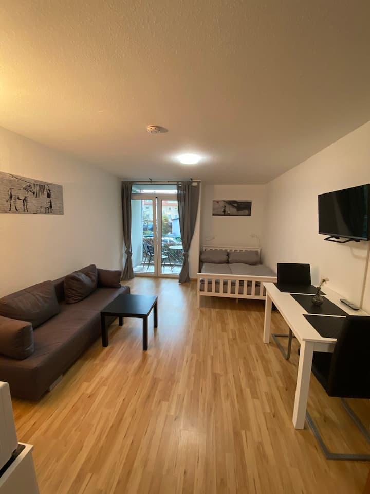 1 Zimmer City Apartment mit Balkon