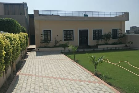 Chawla Villa, Home Stay, Warm & Cozy Environment