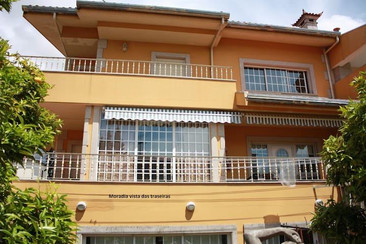 Apartamento em vivenda sossegado - Porto - Apartamento