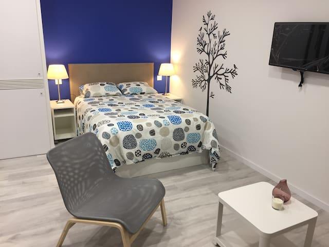Central, bright & cosy apartment