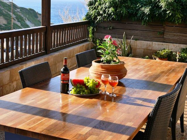 """""""Arismari"""" Luxury and Family Apartment"""
