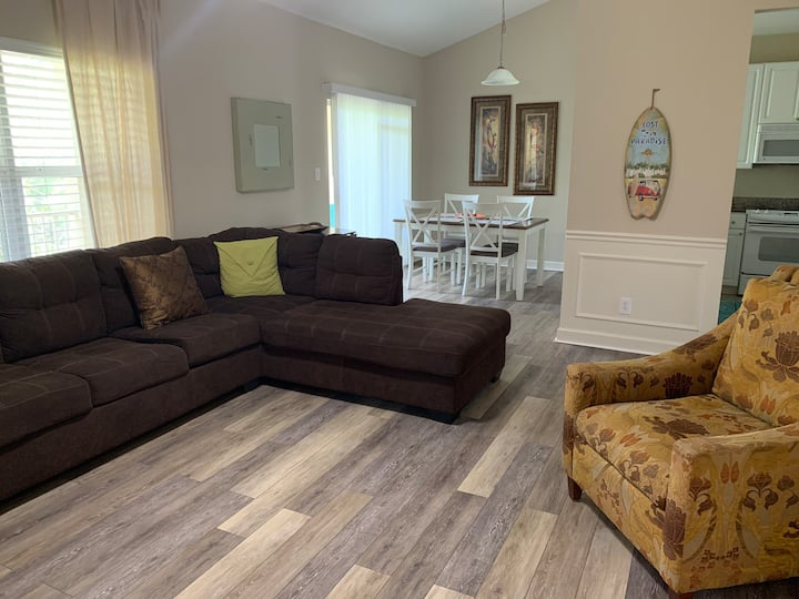 A wonderful condo,  great for beach vacation!