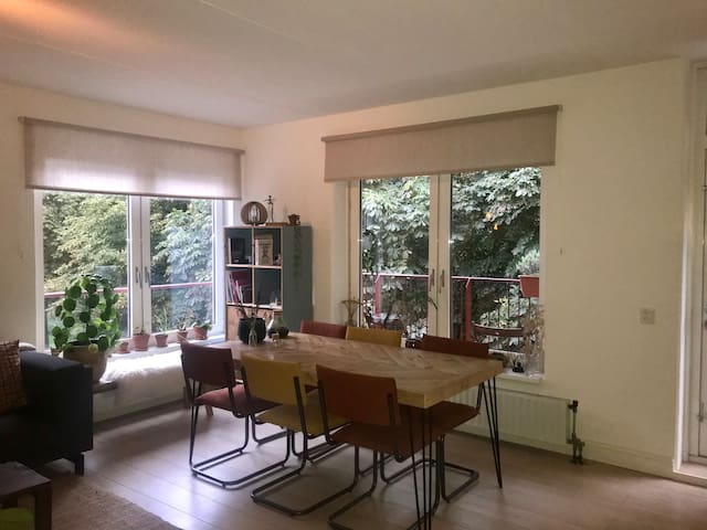 Apartment in Amsterdam east near park