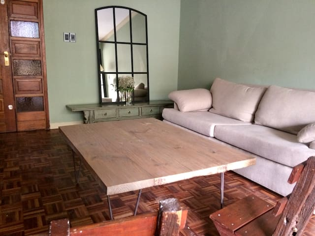 Charming apartment, private rooms, Pocitos