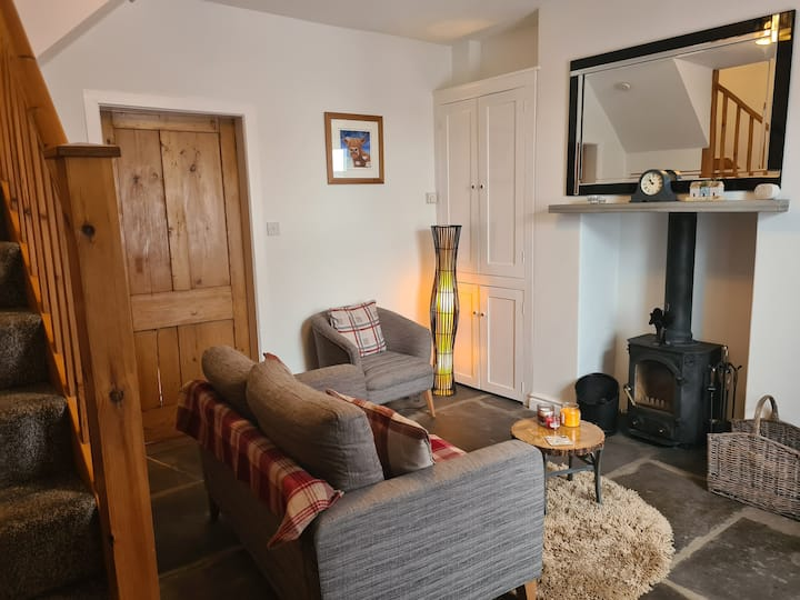 Butterside Cottage - cosy Yorkshire Dales cottage