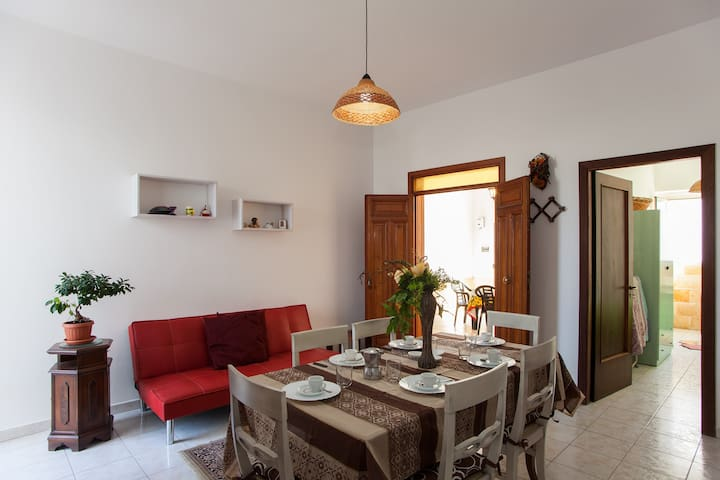 Lettino Massaggio San Marco.Airbnb Sant Isidoro Vacation Rentals Places To Stay