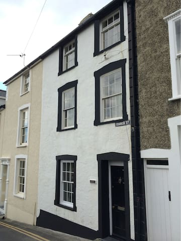 Delfryn - 3 Bedroom Cottage in Aberdovey - Aberdyfi - Casa