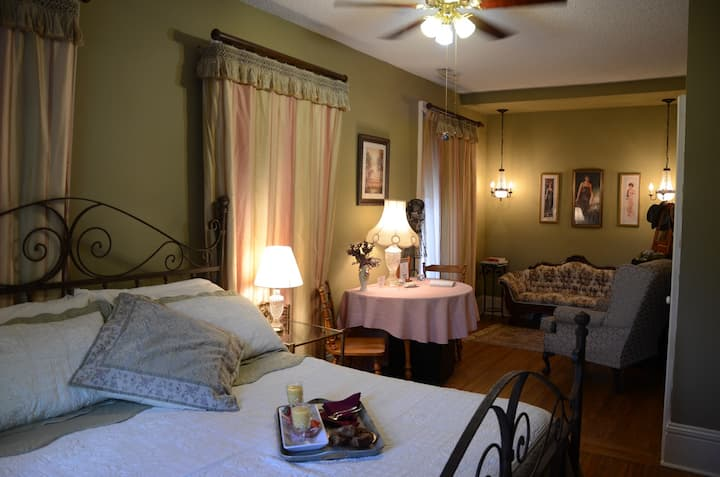 Rose - Whispering Pines Bed & Breakfast