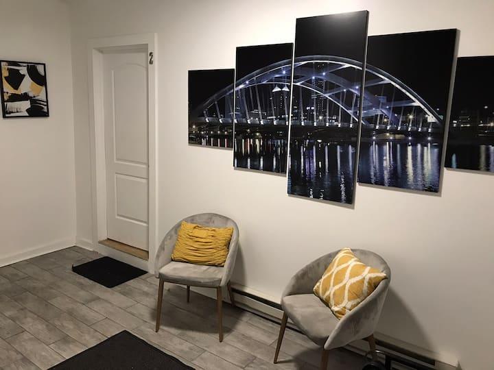 Modern Chic Loft Downtown Center City Rochester