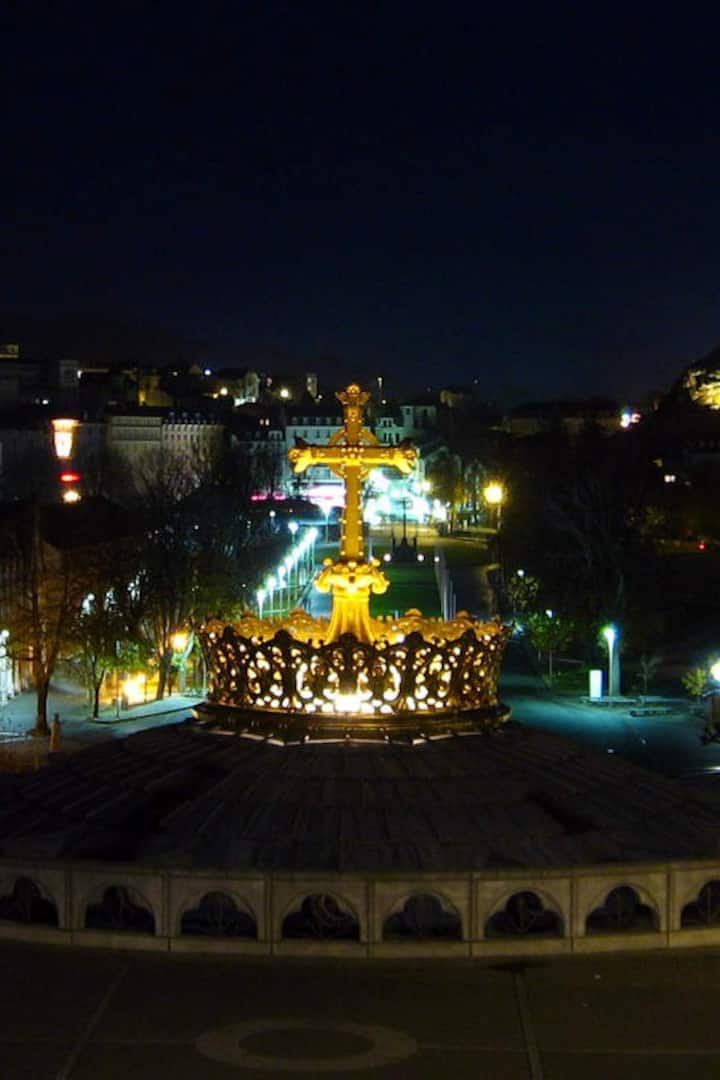 Lourdes by night.