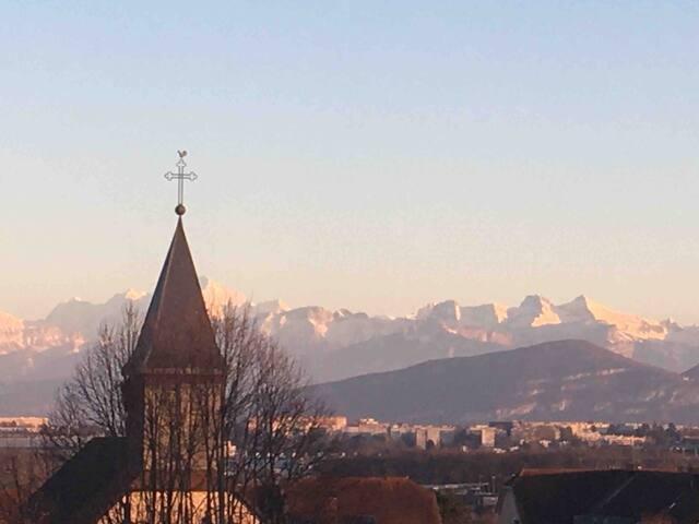 Appartement agréable et lumineux , vue Mont-Blanc